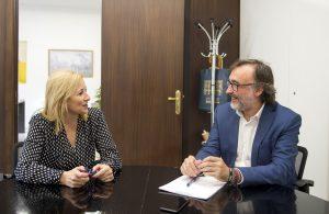 Andreu Salom se reúne con alcaldesa de Serra foto_Abulaila (2)