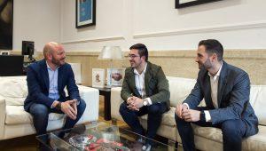 Gaspar con el alcalde de Vilamarxant foto_Abulaila (2) (1)